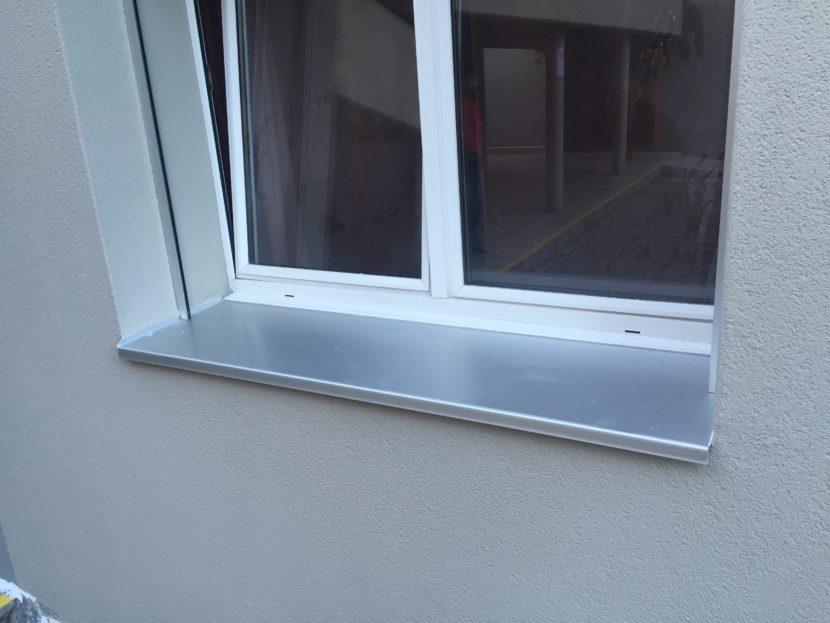 Davanzali alluminio d d solutions il meglio per il tuo - Davanzali per finestre ...